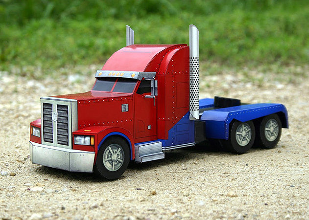 optimus-prime-truck-mode-transformers-1 -kit168.com