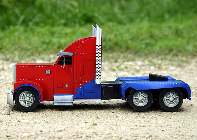 optimus-prime-truck-mode-transformers-2 -kit168.com