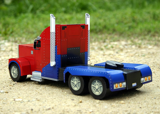 optimus-prime-truck-mode-transformers-3 -kit168.com