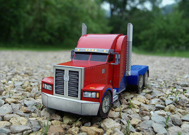 optimus-prime-truck-mode-transformers -kit168.com
