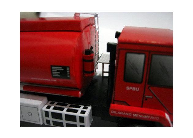 mitsubishi-fuso-fn-517-ml2-pertamina-oil-truck-3 -kit168.com