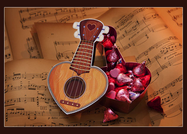 heart-box-ukulele-valentine -kit168.com